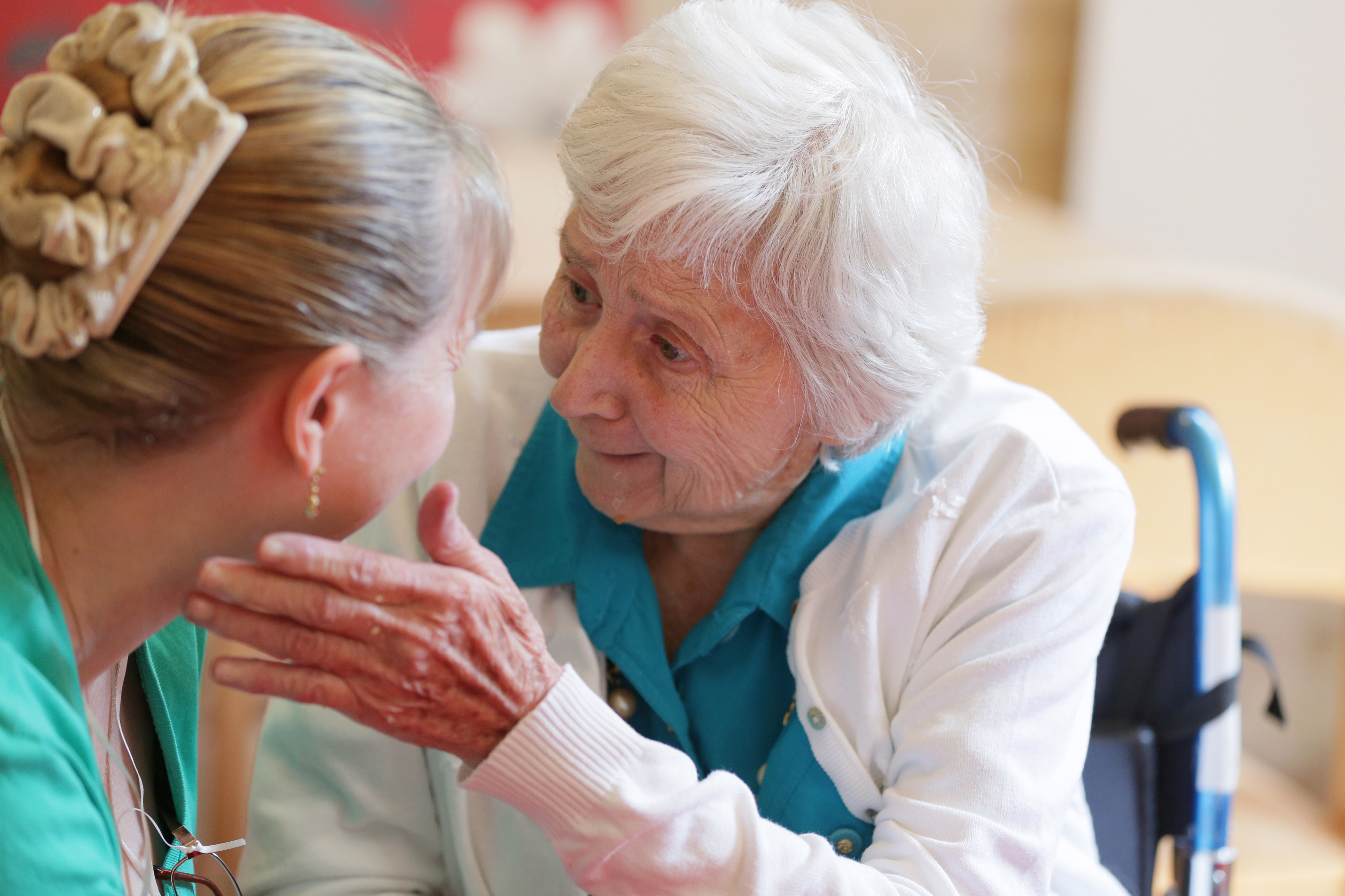 Alzheimer's and Dementia Care | Senior Home Care | SeniCare Plus - 516.342.5500
